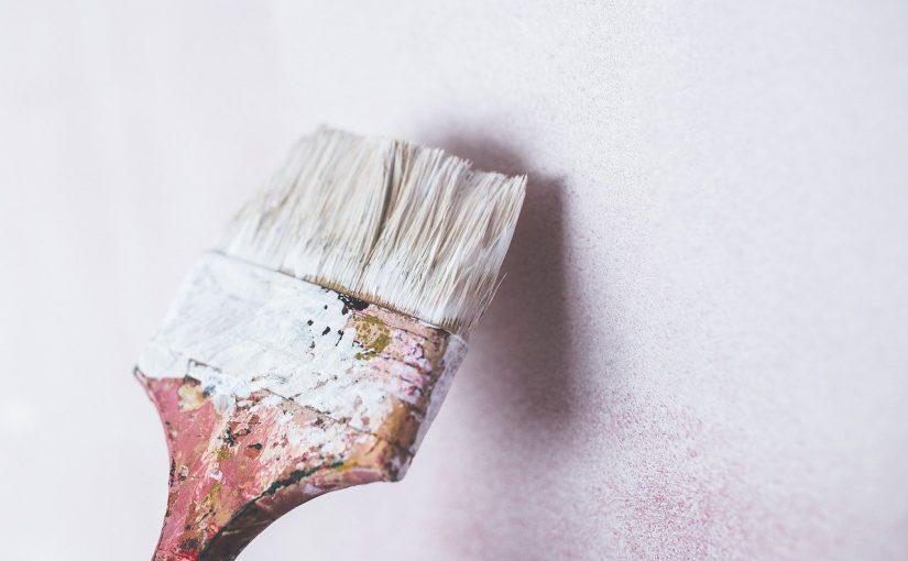 Comment repeindre une tapisserie?